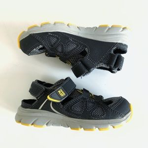 Stride Rite Made2Play Gray Leather Water Sandals